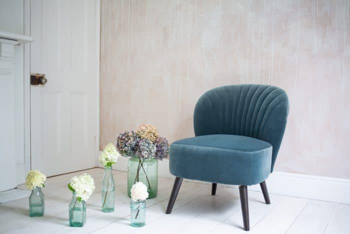Evie_Chair_Teal_Flowers